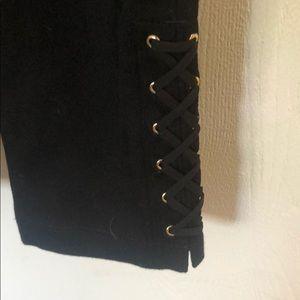 Crazy cute black leggings with leg detail